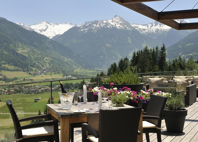 Exklusiver alpen urlaub im design hotel in sterreich for Alpen design hotel