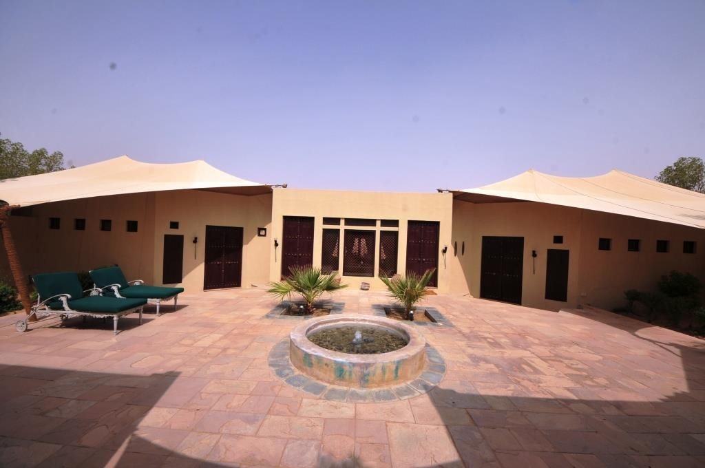 Al Maha Desert Resort & Spa 13