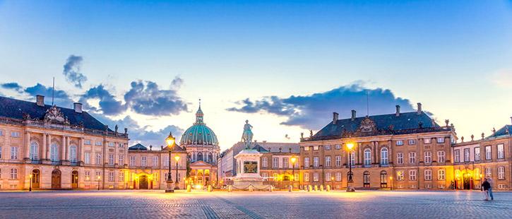Amalienborg-725x310px