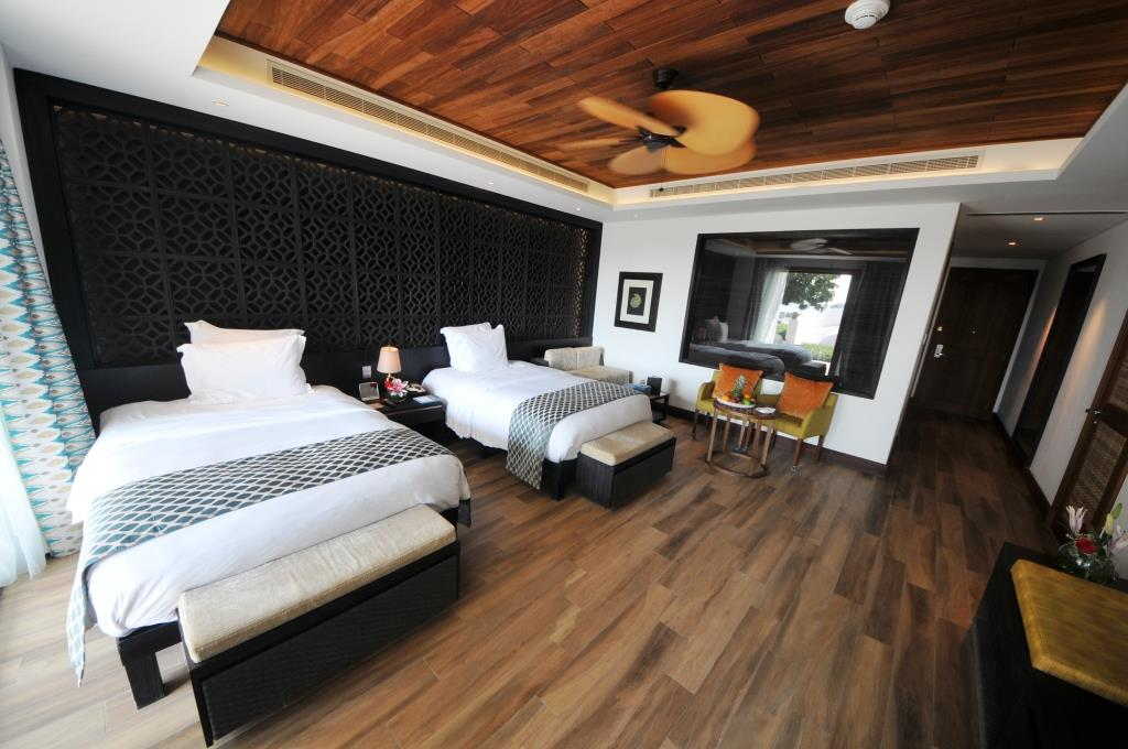Banana Island Resort Standard Room 1