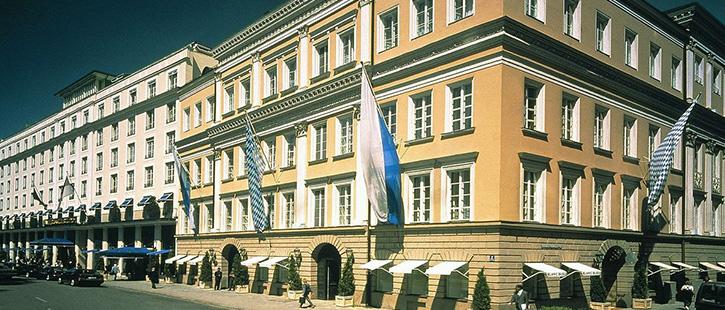 Bayerischer-Hof-725x310px