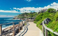 Bondi-Beach-in-Sydney-Australia-1170x500px-2