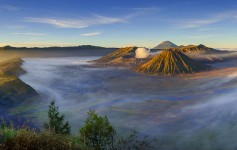 Bromo-volcano-at-sunrise,-East-Java,-Indonesia-1170x500px-2