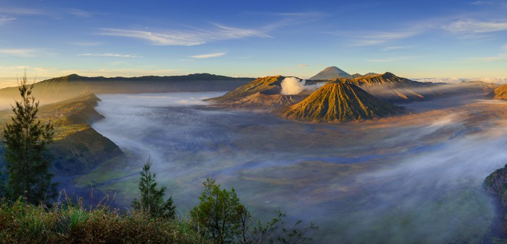 Bromo-volcano-at-sunrise,-East-Java,-Indonesia-1170x500px-2