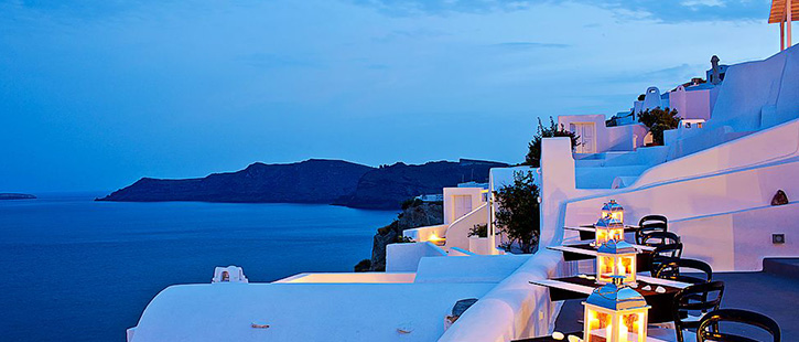 Canaves-Oia-Suites-725x310px