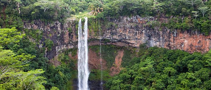 Chamarel-Wasserfall-725x310px