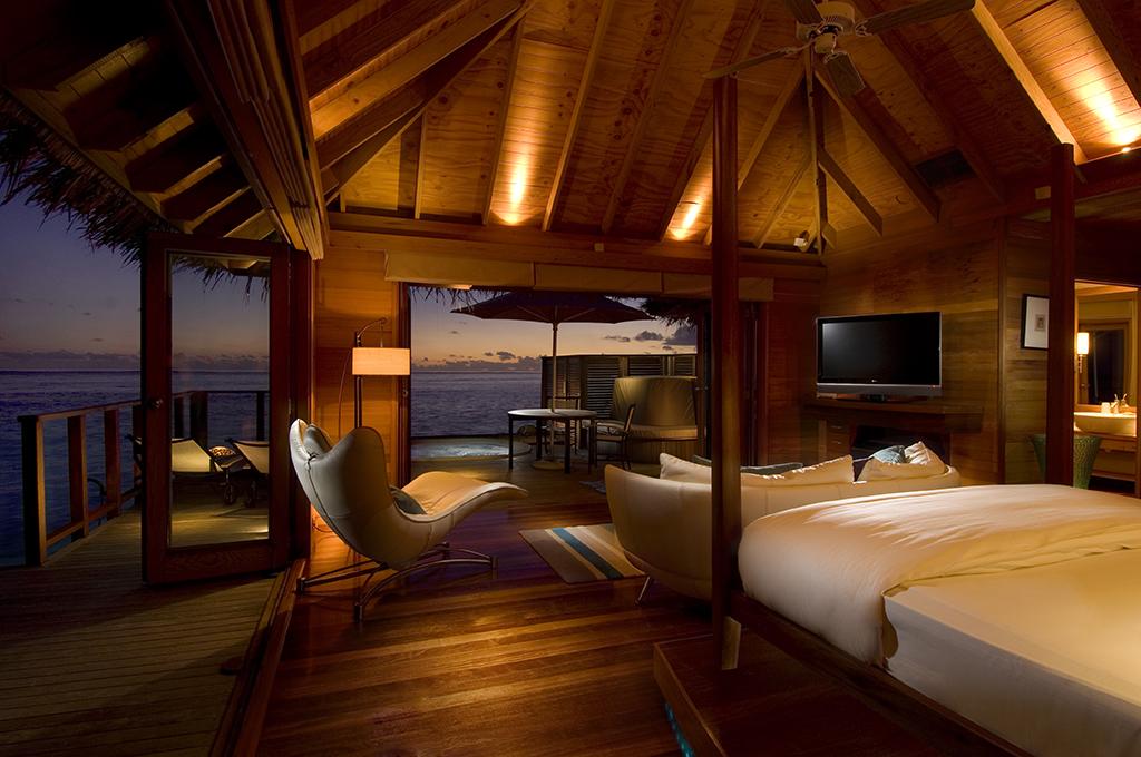 Conrad Maldives_Deluxe Water Villa (1)