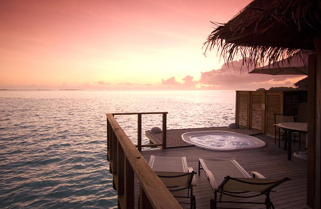 Conrad Maldives_Deluxe Water Villa (2)