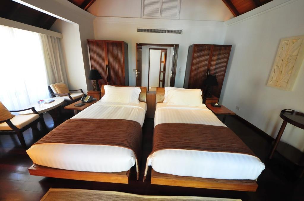 Constance Halaveli Resort 14