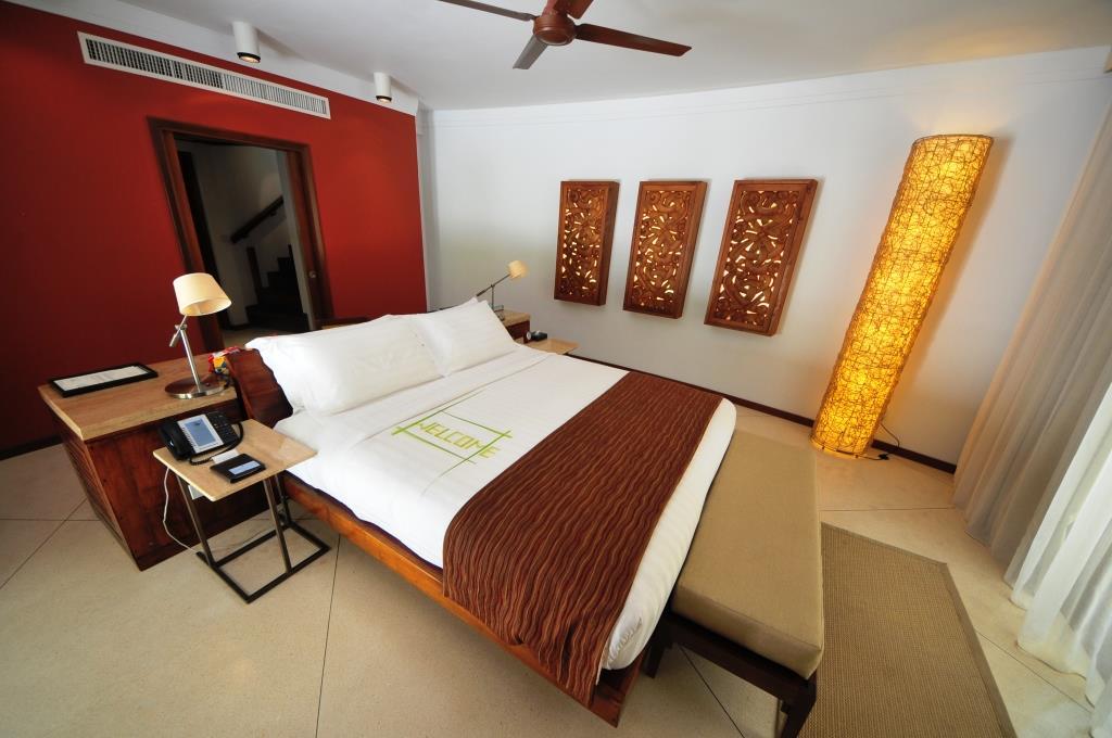 Constance Halaveli Resort 16