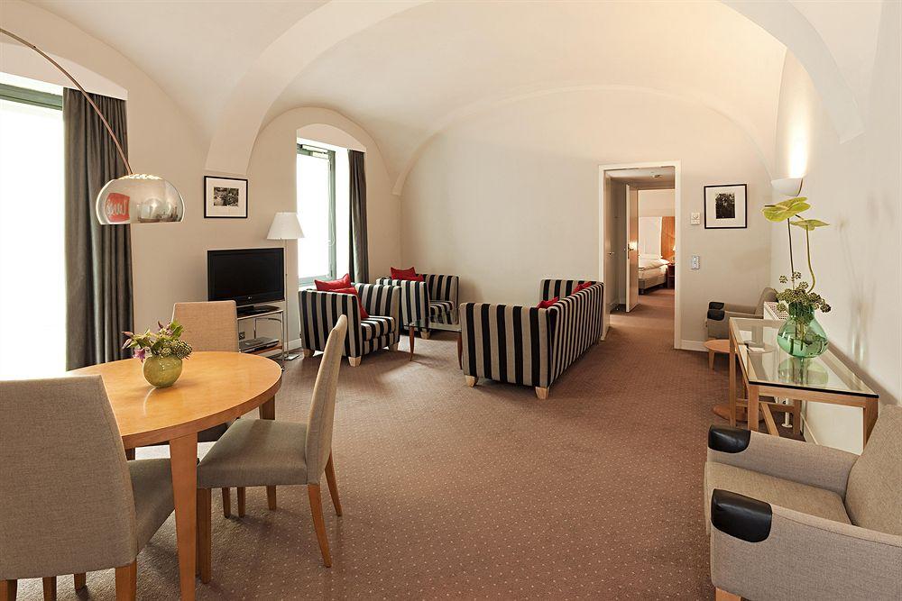 Romantisches 5 sterne design hotel das triest in wiens for Design hotel 5 sterne