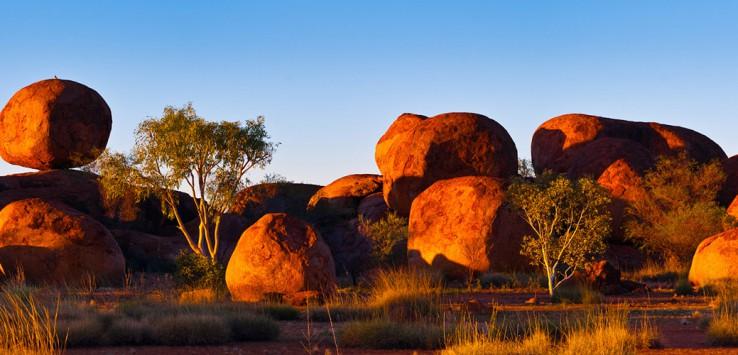 Devil's-Marbles,-Australia-1170x500px-2