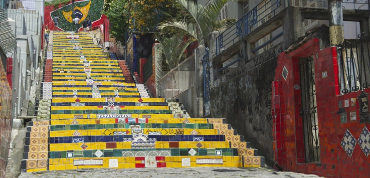Escadaria-Selaron-Steps-rio-de-janeiro-1170x500px