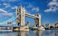Famous-Tower-Bridge-london-1170x500px-2