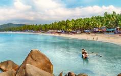 Goa-beach-panorama,-Palolem,-India-725x310px