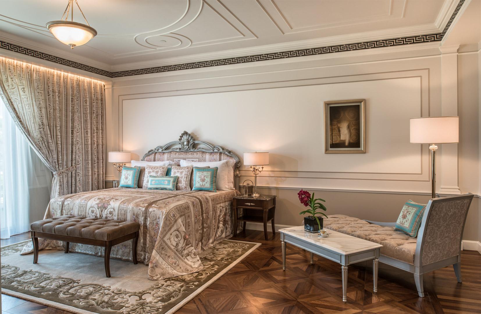 Grand Suite Bedroom (4)