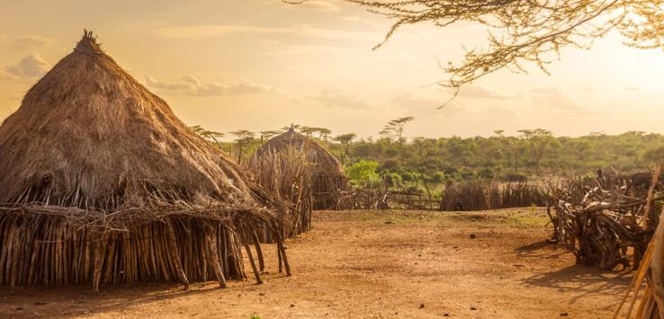 Hamer-village-near-Turmi,-Ethiopia-1170x500px-3