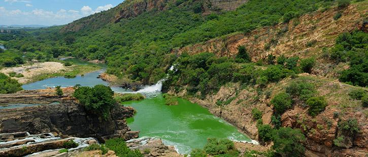 Hartbeespoort-Dam---South-Africa-725x310px