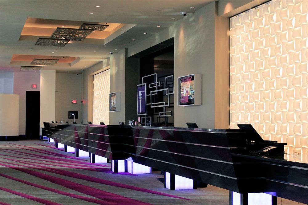 Stylische suiten mit whirlpool und kino feeling im hilton for Stylische hotels