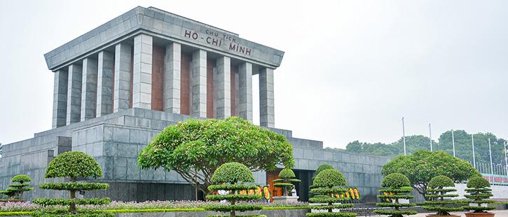 Ho-Chi-Minh-Mausoleum-2-725x310px