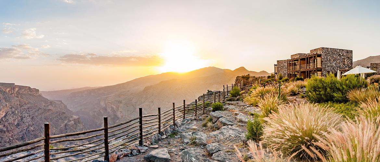 Jabal-Akhdar-in-Al-Hajar-Mountains,-Oman-1170x500px-2
