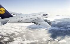 CGI: Air-to-air Motiv der Lufthansa A380./CGI: air-to-air image of the Lufthansa A380. D-AIMA, Frankfurt am Main, Frankfurt Aircraft 20% reduced in size