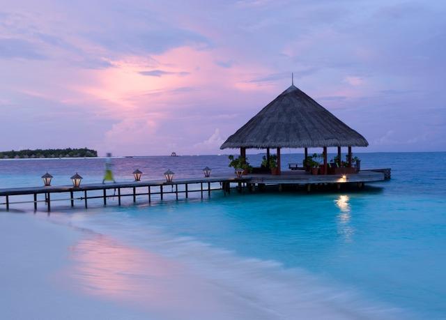secret escapes super sale pool villa inklusive. Black Bedroom Furniture Sets. Home Design Ideas