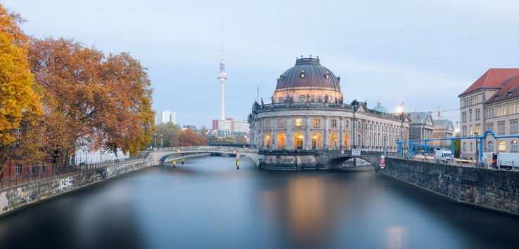Museum-island-on-Spree-river-and-Alexanderplatz-TV-tower-berln-1170x500px