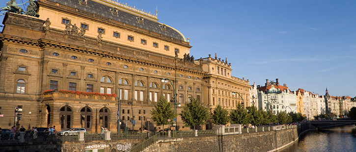 Nationaltheater-725x310px