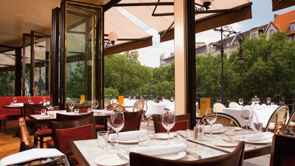 Print_Kempinski-Hotel-Bristol-Berlin-Gastronomie-Reinhards-Terrasse-001