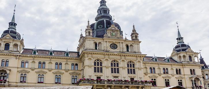 Rathaus-725x310px