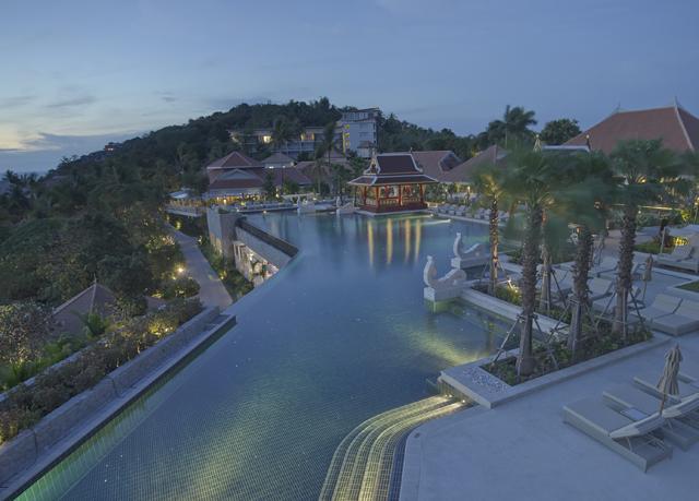 traumhaftes luxus resort in thailand inklusive fl gen und. Black Bedroom Furniture Sets. Home Design Ideas