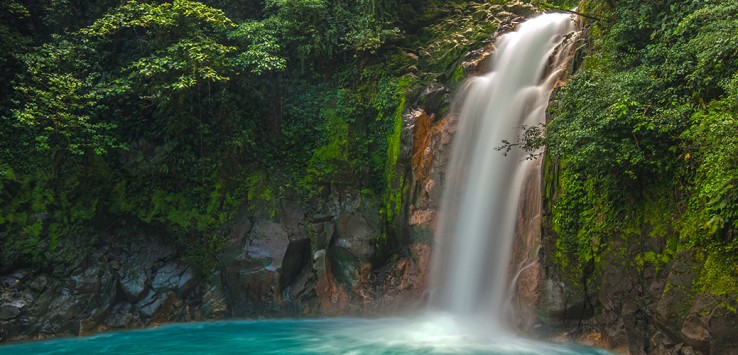 Rio-Celeste-Wasserfall-Costa-Rica-1170x500px