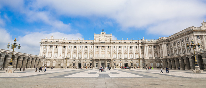 Royal-Palace-of-Madrid-725x310px