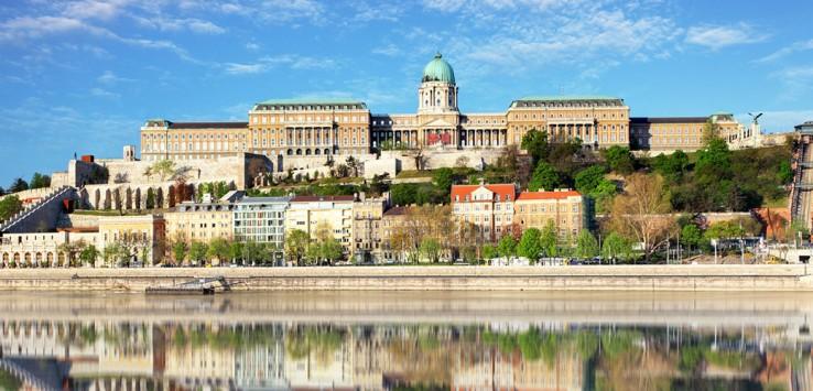 Royal-palace-Buda-castle-budapest-1170x500px