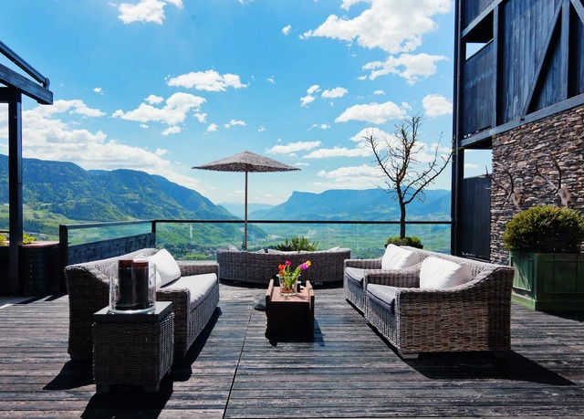 Exklusives berghotel in s dtirol mit halbpension spa for Design hotel tirol