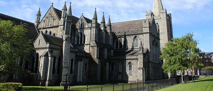 St.-Patricks-Kathedrale-725x310px
