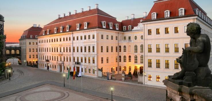 Taschenbergpalais-Kempinski-Dresden-Auenansicht-Tag