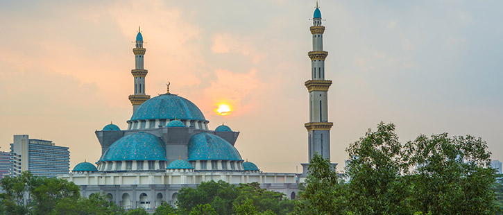 The-Federal-Territory-mosque-725x310px