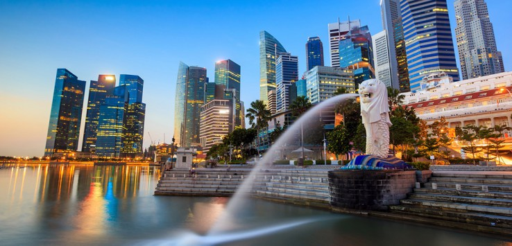 The-Merlion-fountain-Singapore-skyline-1170x500px-3