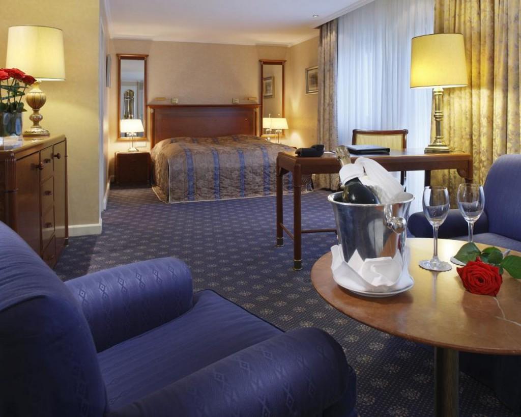 Web_PKempinski-Hotel-Bristol-BerlinJunior-Suite02
