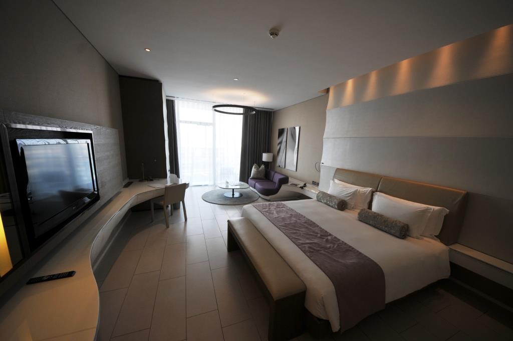 Yas Viceroy Hotel 17