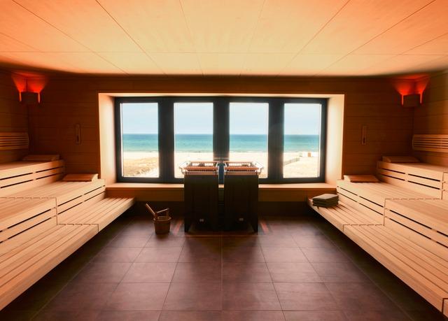 exklusiver wellness urlaub an der ostsee im a ja resort warnem nde mit fr hst ck und mehr f r. Black Bedroom Furniture Sets. Home Design Ideas