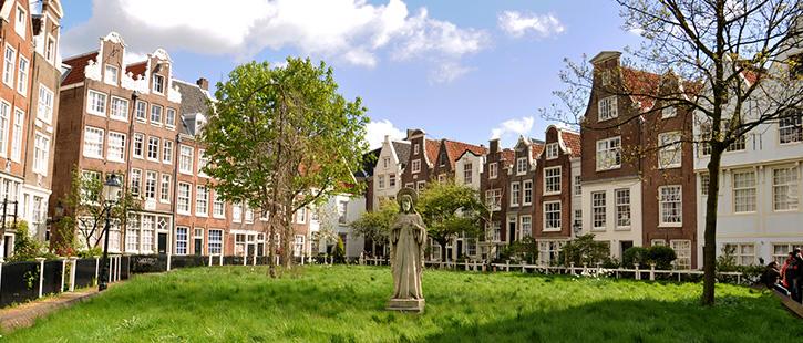 begijnhof-amsterdam-725x310px