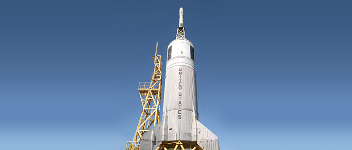 old-Apollo-rocket-725x310px