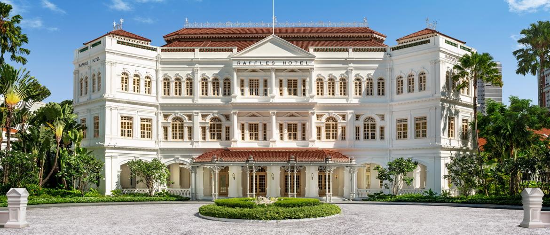 raffles singapore feiert wiederer ffnung nach zweieinhalb. Black Bedroom Furniture Sets. Home Design Ideas