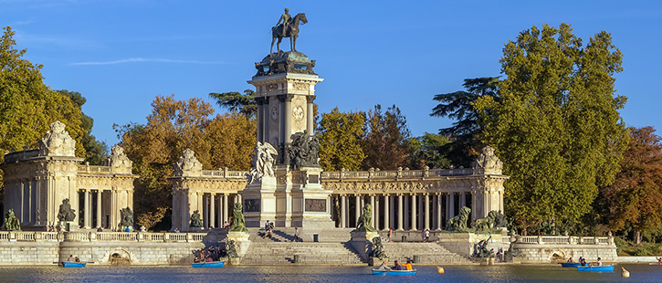 retiro-park-and-alfonso-XII-monument-725x310px