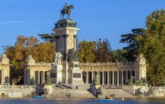 retiro-park-and-alfonso-XII-monument-madrid-1170x500px